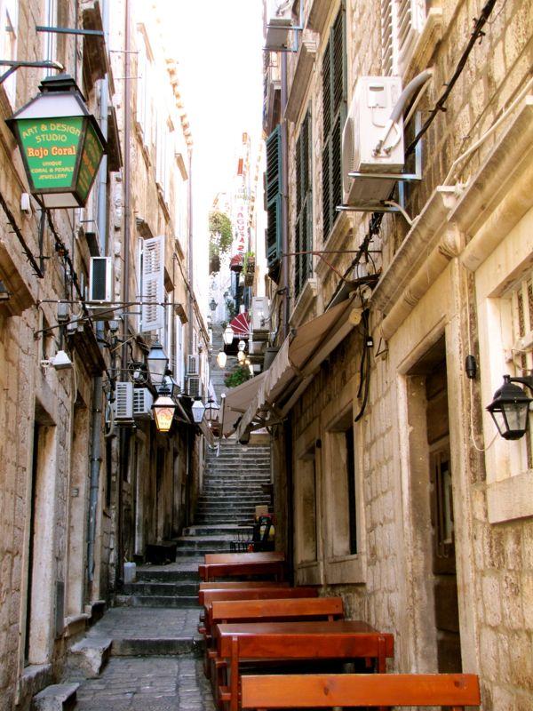 Dubrovnik - http://27thandolive.com