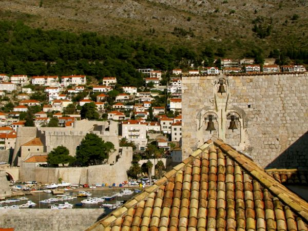 Dubrovnik Wall - http://27thandolive.com