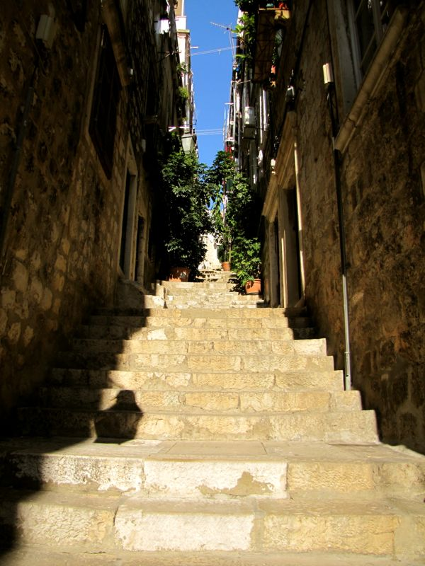 Dubrovnik Stairs - http://27thandolive.com