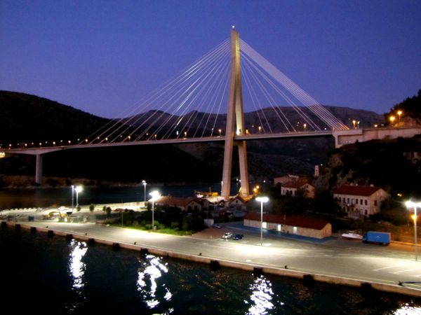 Dubrovnik Bridge - http://27thandolive.com